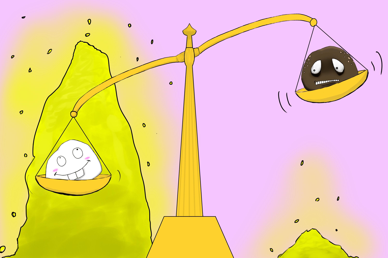 しろとんじゅうが天秤に乗っている画像